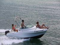 Barca a noleggio multi-posto