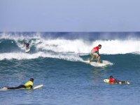 Surf en la costa de Lanzarote