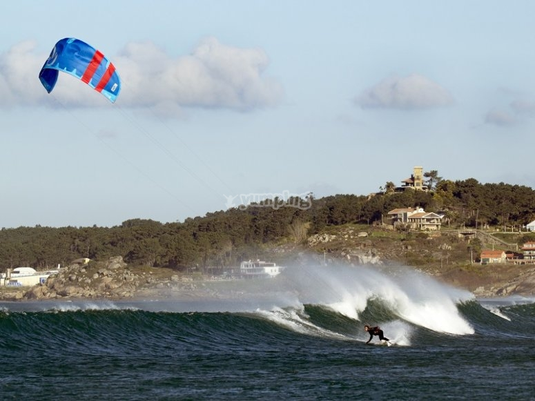 Kitesurfing on the water in Galicia