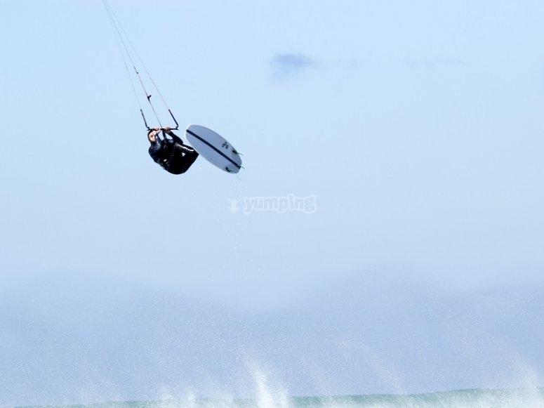 Piruetas de kitesurf