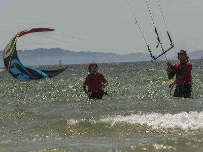 Curso básico de kitesurf en agua en Pontevedra 5h