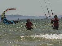 Sesion de kite en el agua