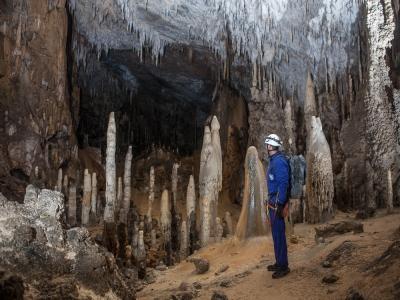 Grotta di Coventosa Los Fantasmas con picnic e foto