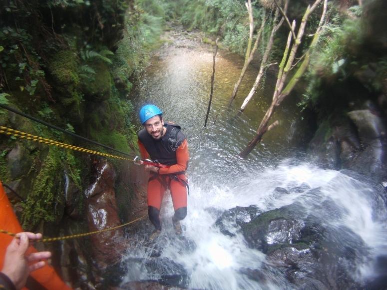 Descend the Ajan ravine