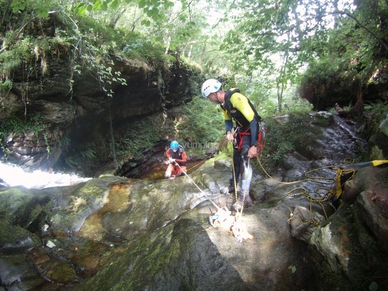 Descend the water ravine in Cantabria