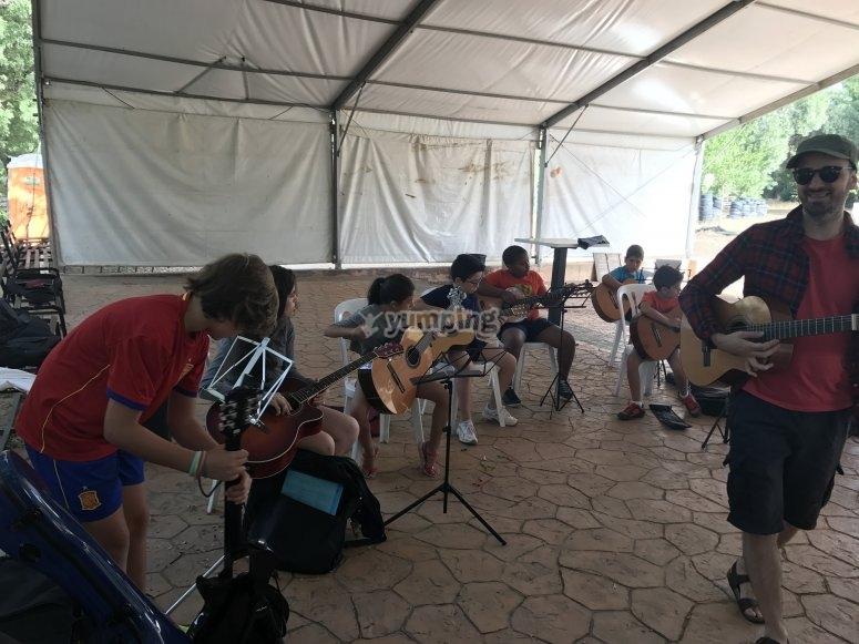 Campamento musical en Aljucén