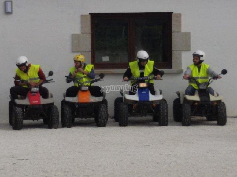 Preparados para arrancar los quads