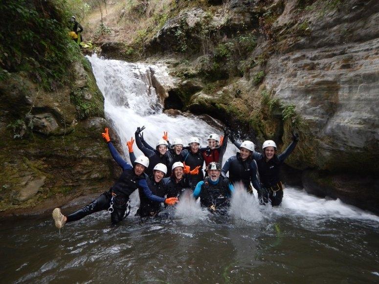 Celebrazione dell'evento con canyoning