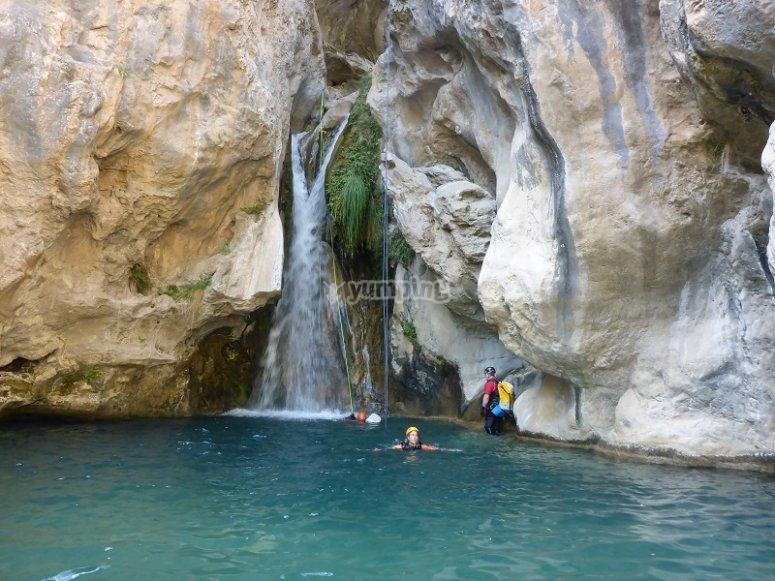 Una de las cascadas del Rio Verde