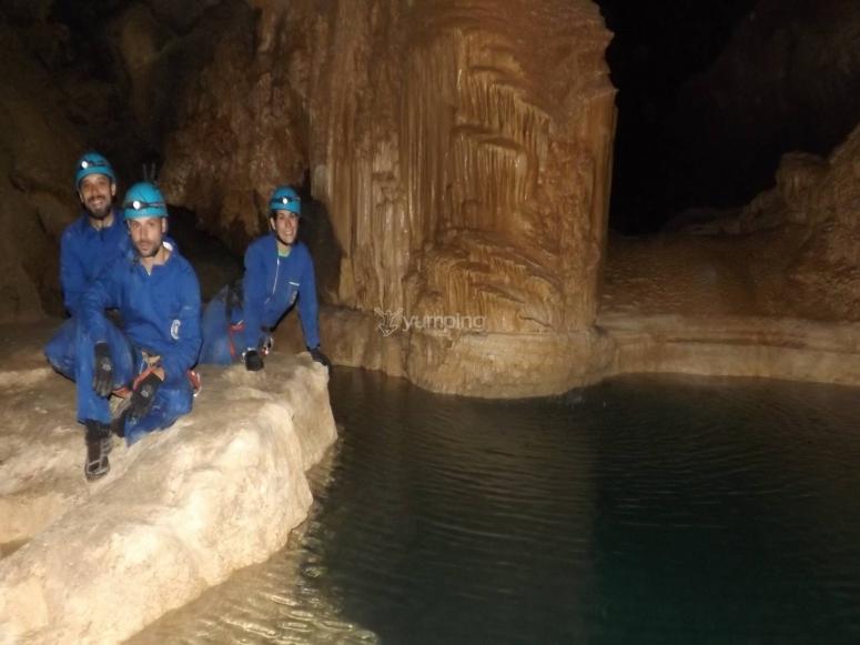 Lago subterraneo en Miera