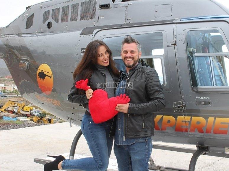 Celebrando el amor en helicoptero