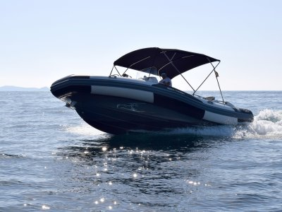 在Santa EulaliadelRío租Zodiac Seahawk