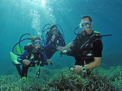 Curso de buceo para niños en Mallorca