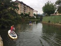 Paseando con la tabla de paddle surf
