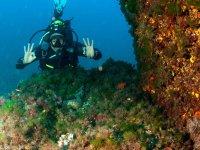 好吧卡拉查看溪我们壮观的潜水船出发出发Santanyi