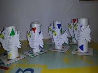manualidades infantiles de tubos con pajaros