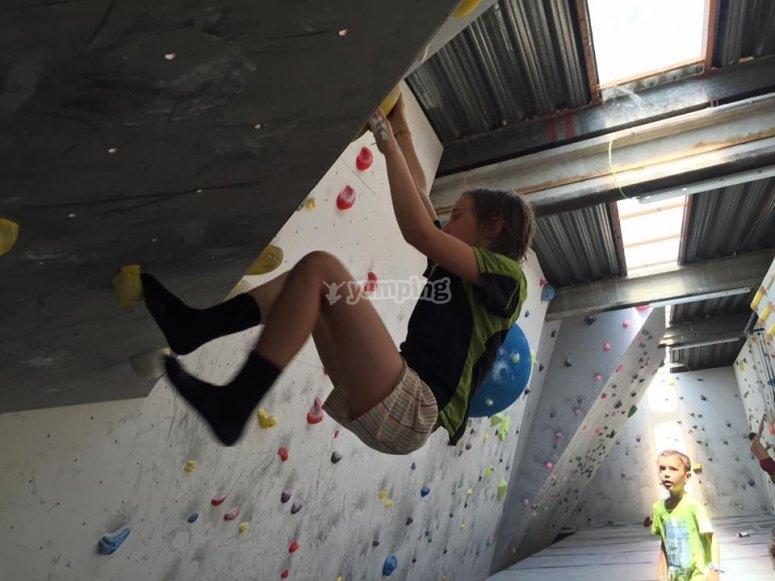 攀爬儿童的rocodrome