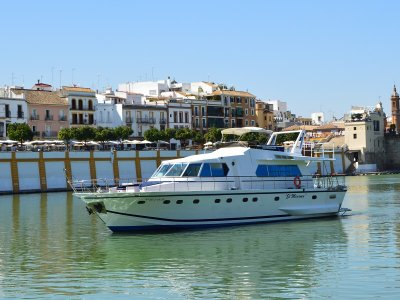 Luxurious Yacht Route in Guadalquivir + Iberians