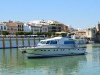 Ruta en yate de lujo en el Guadalquivir e ibéricos