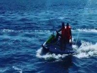 En el Mediterráneo barcelonés en moto de agua