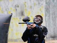 Concentrado para disparar al enemigo