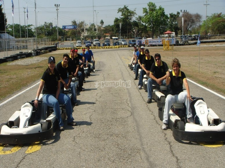 Team ready to start the karting race
