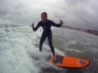 Surfeando con estilazo