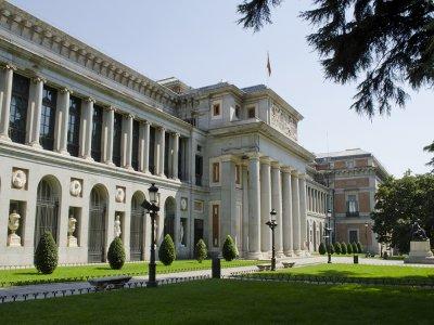 访问普拉多博物馆,了解学校和研究所