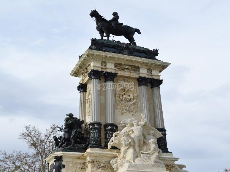 阿方索纪念碑XII