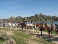 Ruta a caballo por Los Barruecos