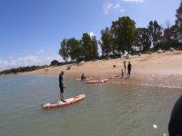 带桨冲浪板出海
