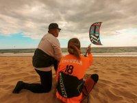 从海滩放风筝