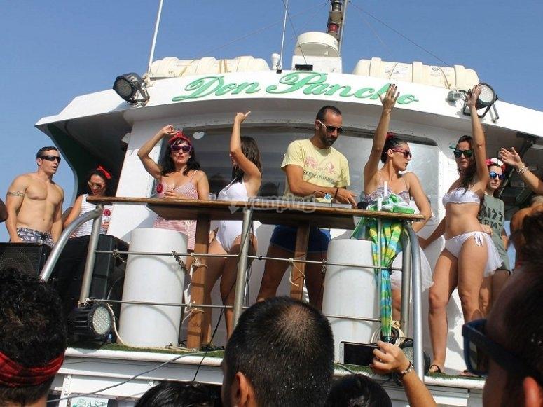 DJ a bordo del barco