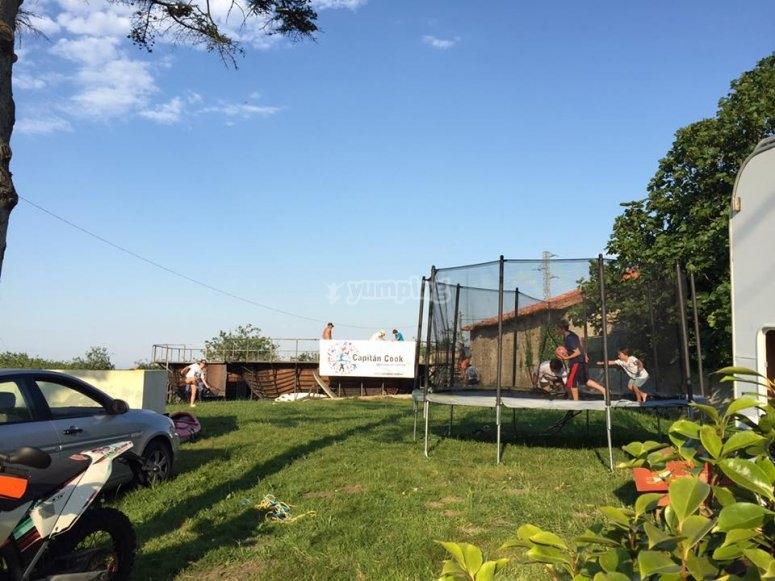 Divertiti sui trampolini