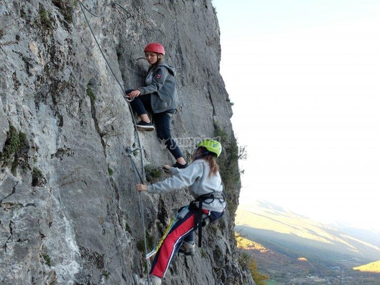 Asciende la montaña