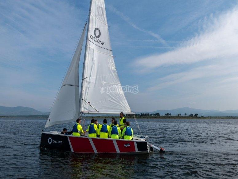 Aprende a navegar en vela