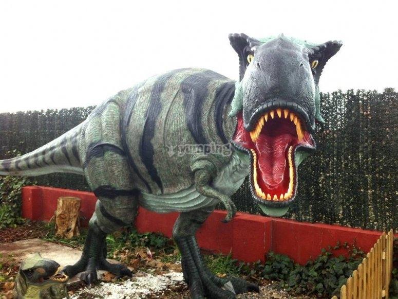 Decorato ispirato ai dinosauri