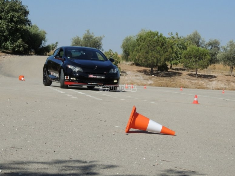 Pilotar un coche en situacion de riesgo