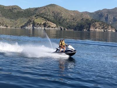 Jet ski e banana boat pack in Roses 30 minuti