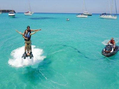 Bautismo de flyboard Cala Saona Formentera 15 min