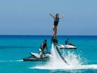 Probar el flyboard en playa de Cala Saona 20 min