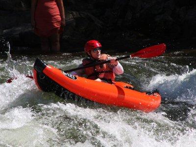 Descenso en canoa raft en río Esera en Campo 9 km