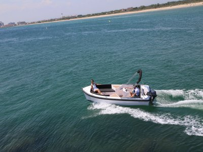 Jet Ski e gita in barca nella Baia delle Rose 1,5h