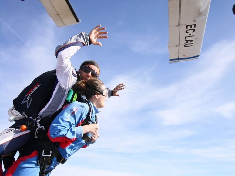 Jumping with a parachute from the airplane