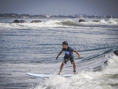 塔里法海滩冲浪课1小时开始