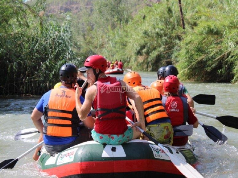 Grupo y monitor de rafting