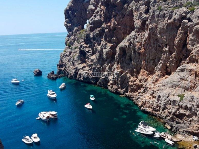 Barcos fondeados en Mallorca