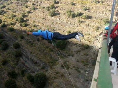 2 bungee jumping in Enciso La Rioja 60 metri