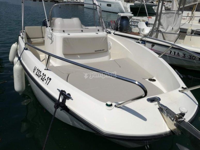 Paseo en barco en Sitges