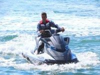Ponte a los mandos de una moto de agua